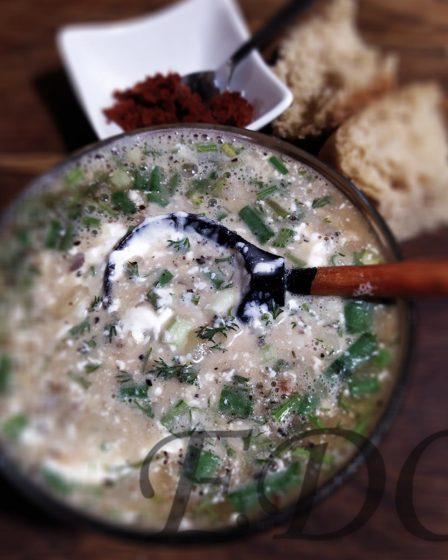 Блюдо окрошка из шашлыка с квашеной капустой