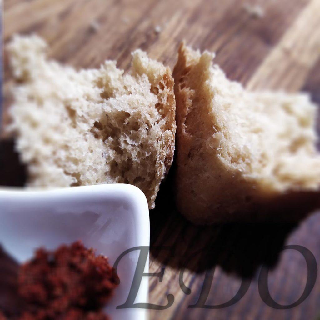Хлеб с окрошкой из шашлыка и капусты