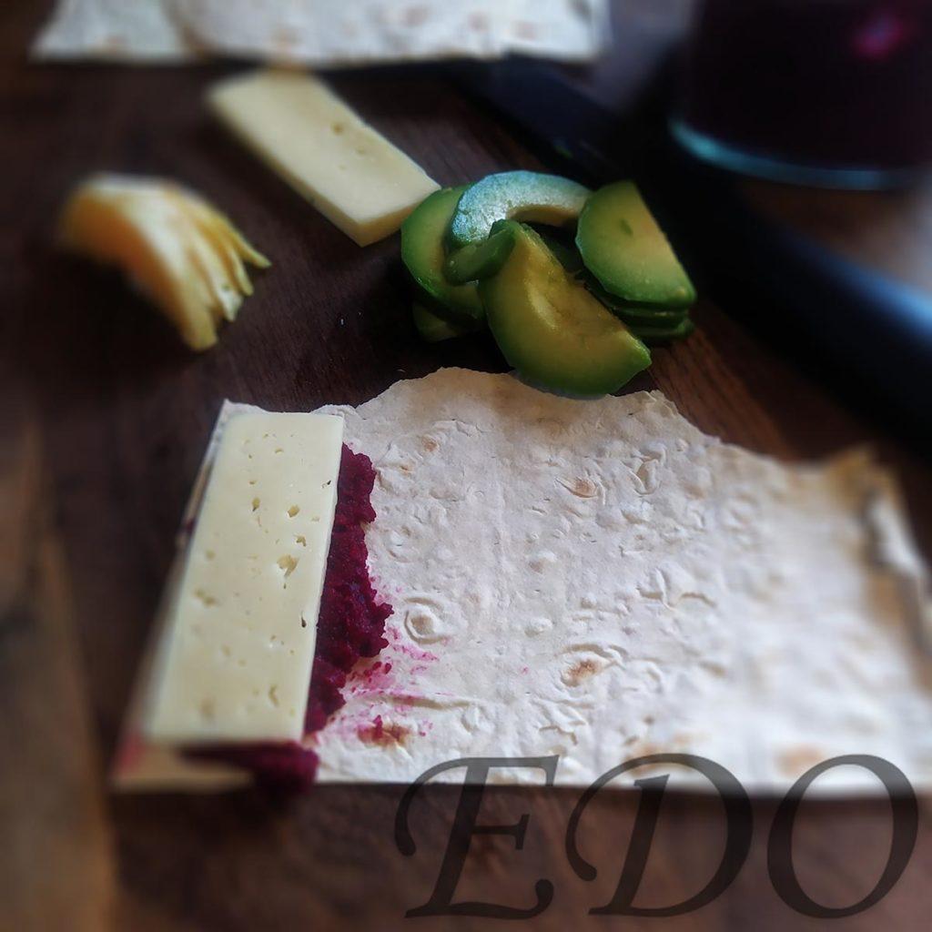 бутерброд «Трио фруктово-овощное» свекольный слой - второй