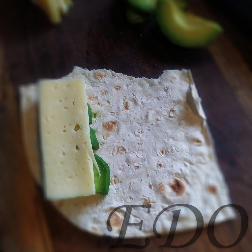 бутерброд «Трио фруктово-овощное» авокадовый слой - второй
