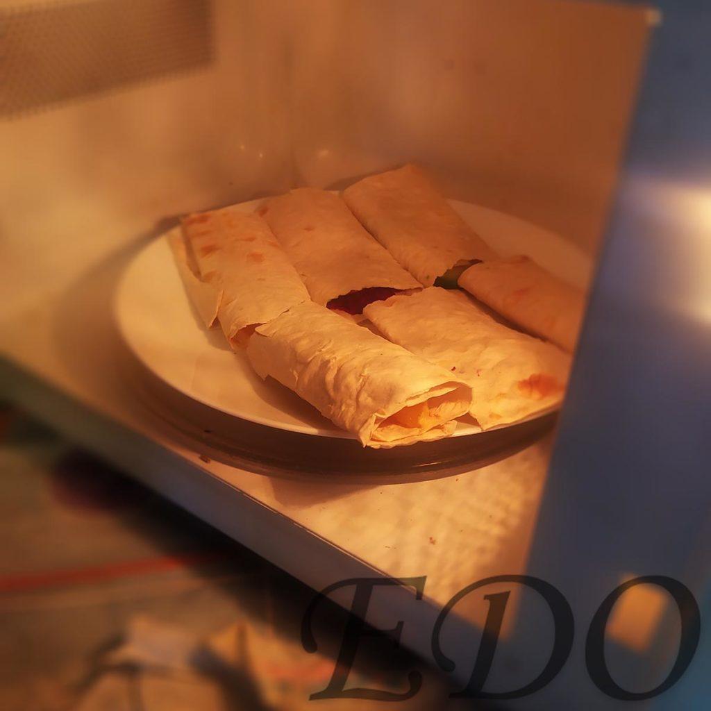 бутерброд «Трио фруктово-овощное» в микроволновке