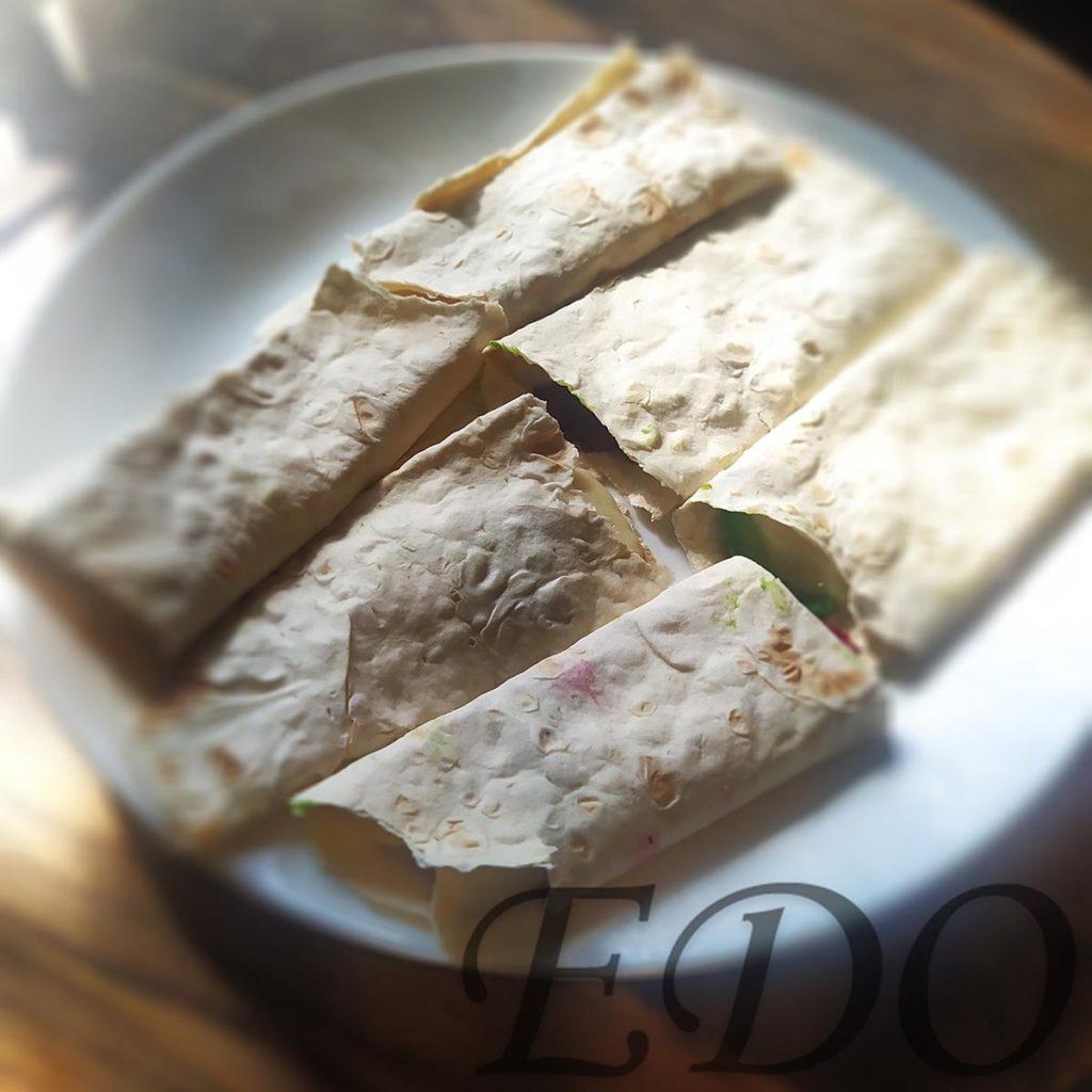 бутерброд «Трио фруктово-овощное» готово