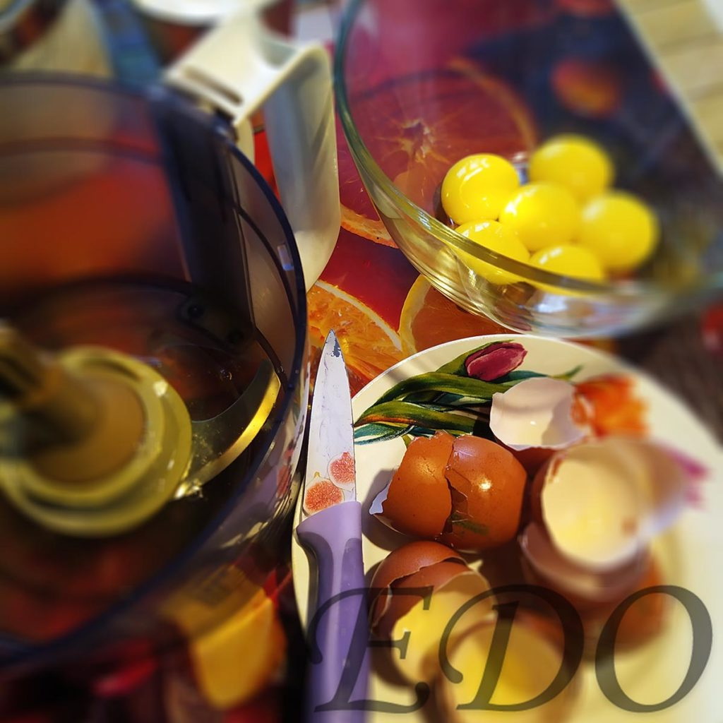 Десерт «Желто-белая сладость» раздел яиц