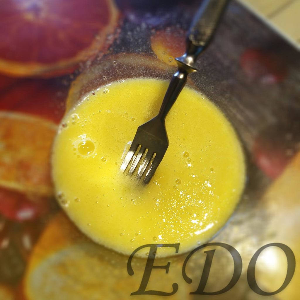 Десерт «Желто-белая сладость» желтки размешанные