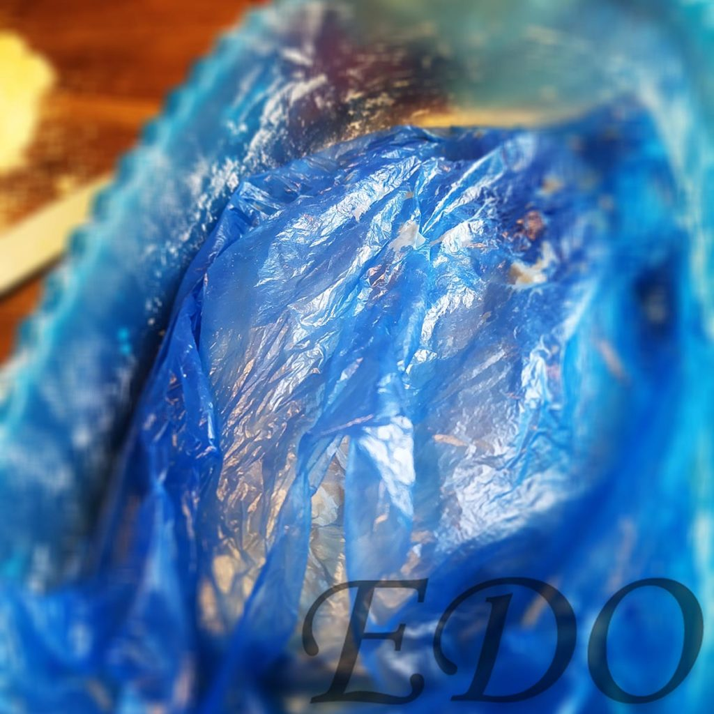 «Капустники» тесто под пакетом