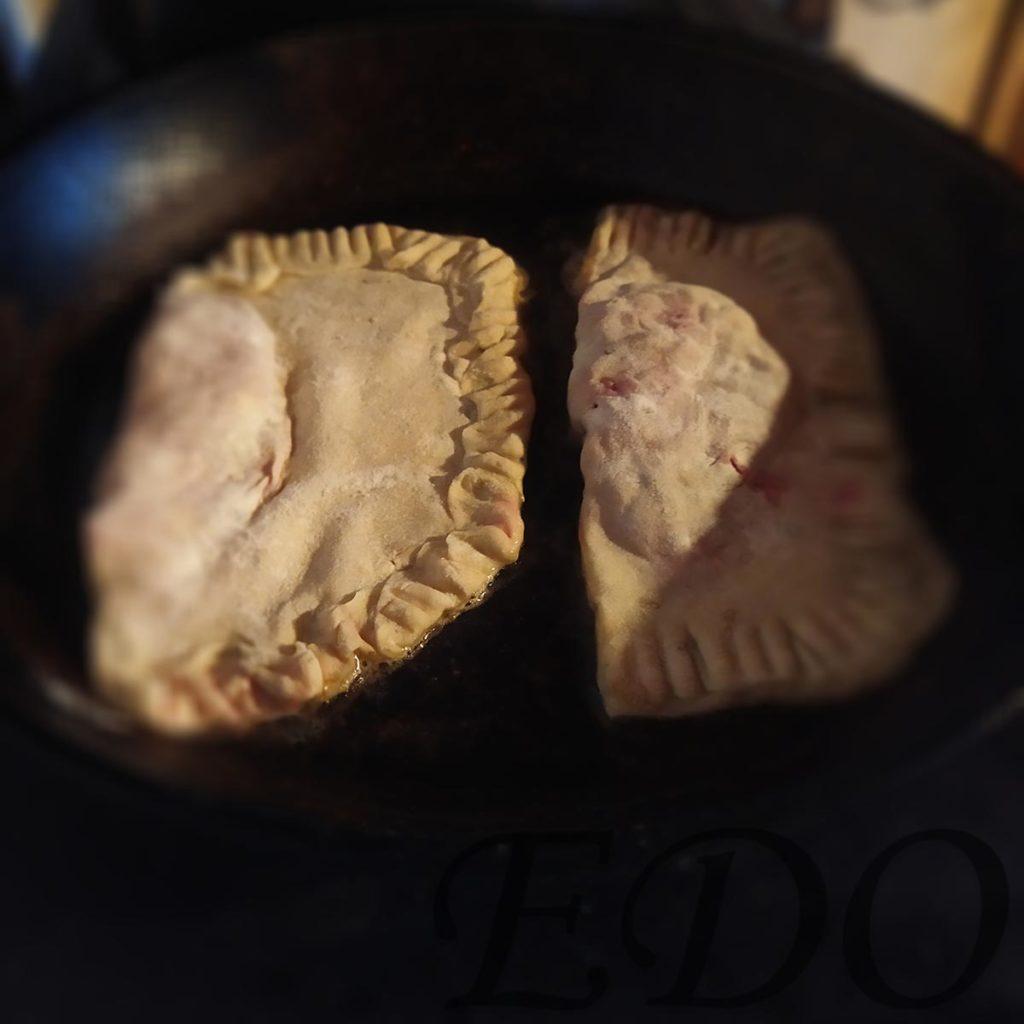 Простые чебуреки «Капустники» жарим на сковороде