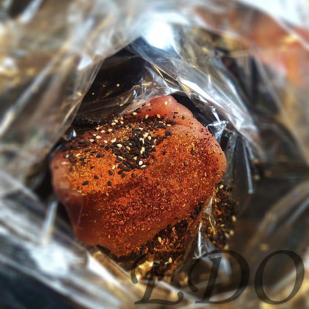 кусок свинины «Пакетная запечёнка» с кунжутом