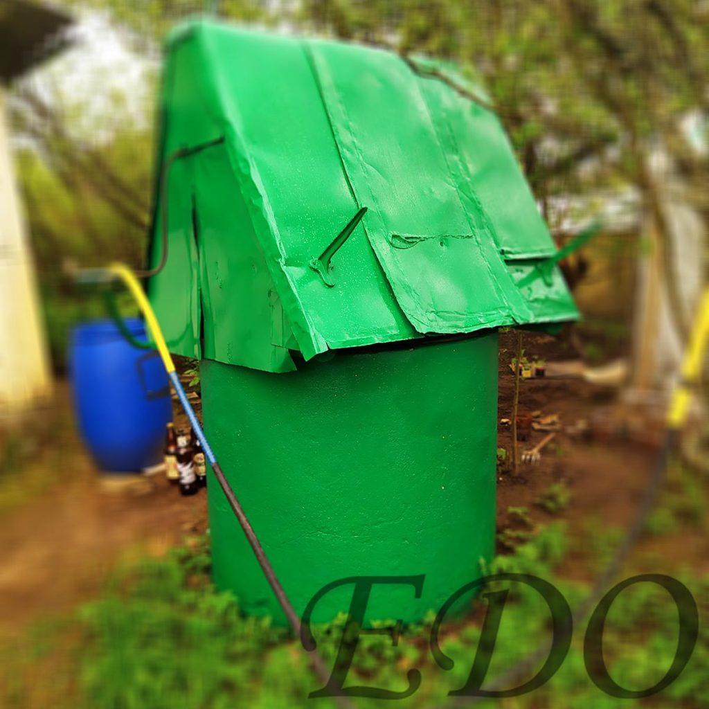 «Зеленый домик» колодец дачный вид с боку